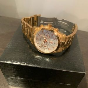 Guess watch gold band